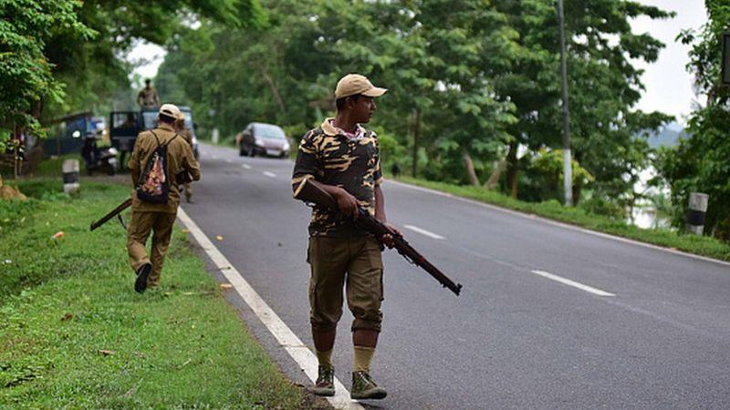 भारतमा दुई राज्यका प्रहरी बीच गोली हानाहान